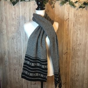 Brooks Brothers Merino Wool Houndstooth Snow Scarf